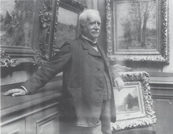 Photograph of Paul Durand-Ruel in his gallery, taken by Dornac, about 1910 Photo: Archives Durand-Ruel